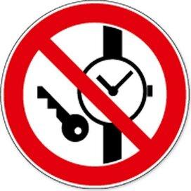 Kleine Metalen Voorwerpen Verboden (sticker)